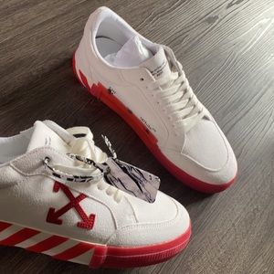 OFF-WHITE VOLCANISED LOW TOP SNEAKER